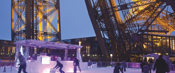 The Trocadero skating rink: great fun to be enjoyed at Christmas
